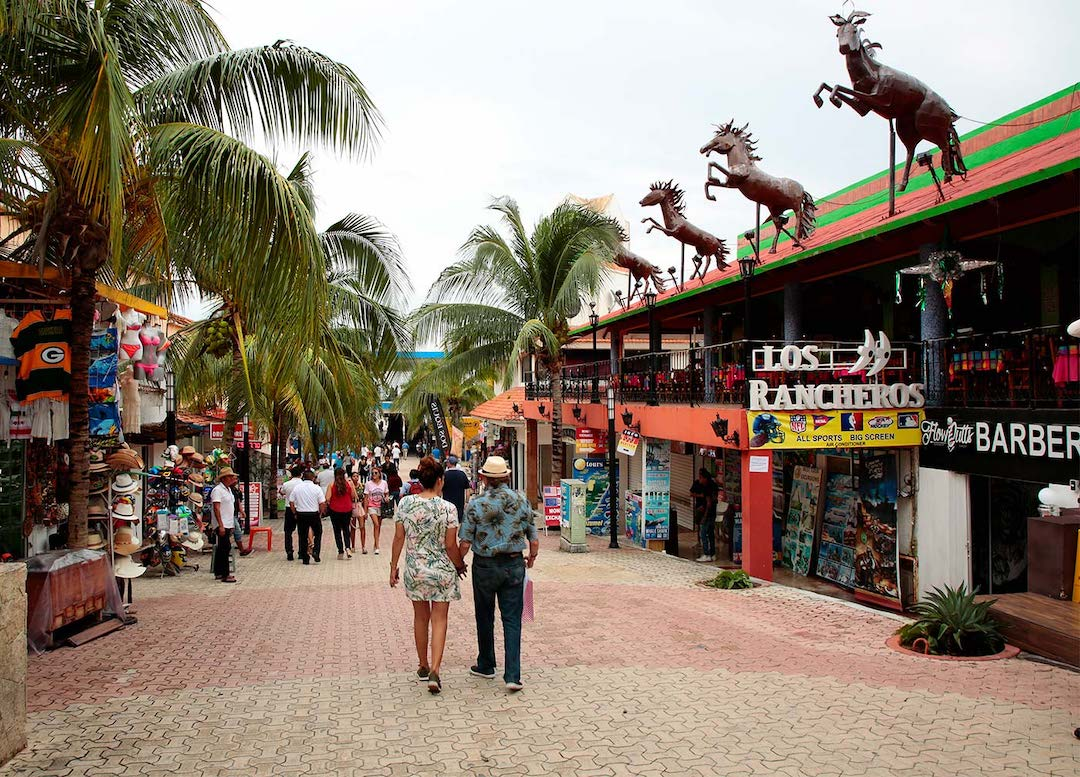 Many people visit Playa del Carmen just to stroll down the 5th Avenue.