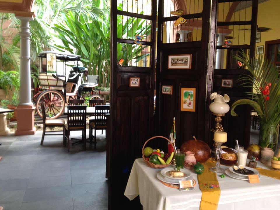 Entrada del Restaurante la Chaya Maya sucursal la casona.