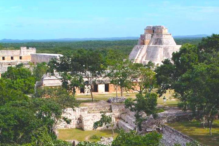 Zona arqueológica de Uxmal en Yucatán