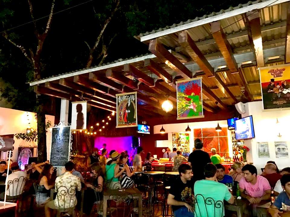 Kixten bar in Playa del Carmen