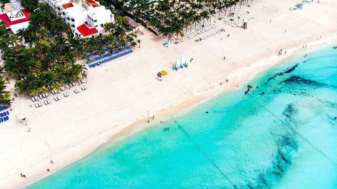 Vista aérea de la costa en Playa del Carmen
