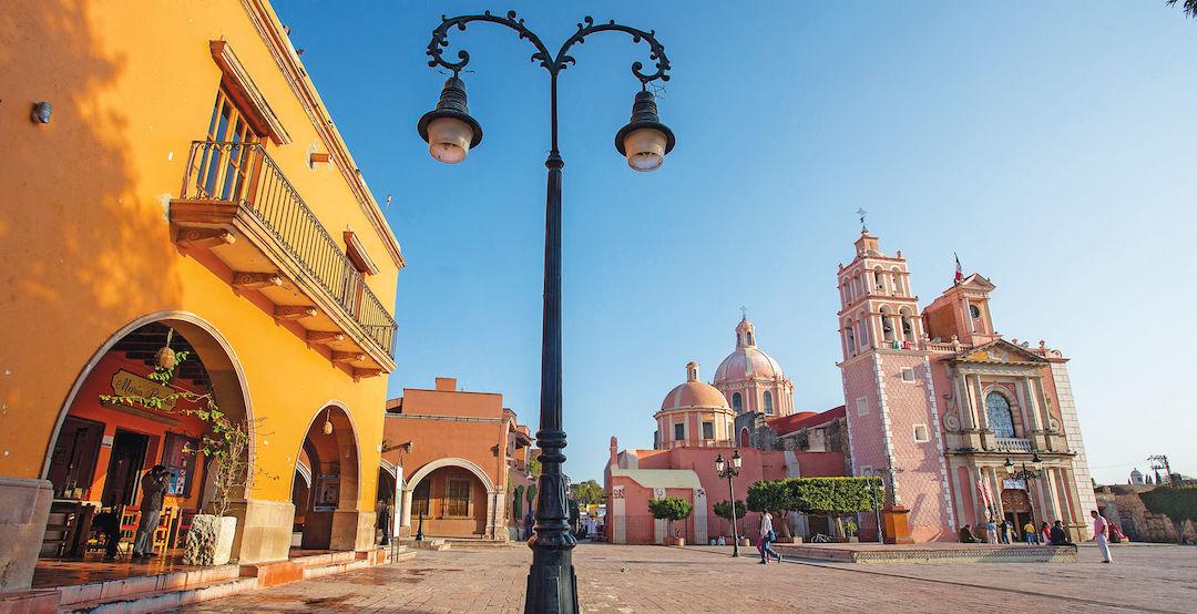 Plaza principal e iglesia de Querétaro