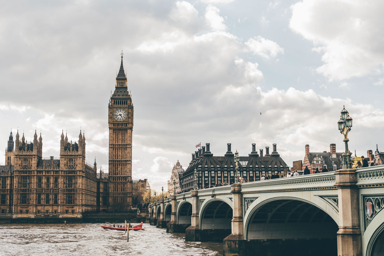 Simply London website preview image
