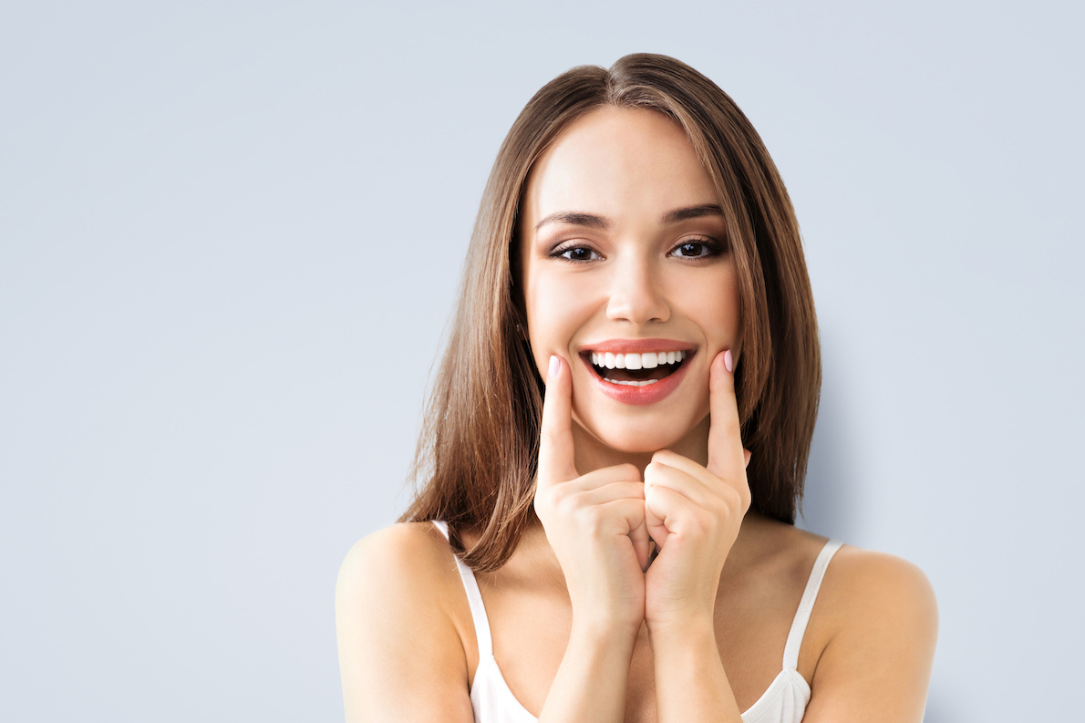 Tooth Bonding Or Veneers – How To Choose Which Is Right For You!