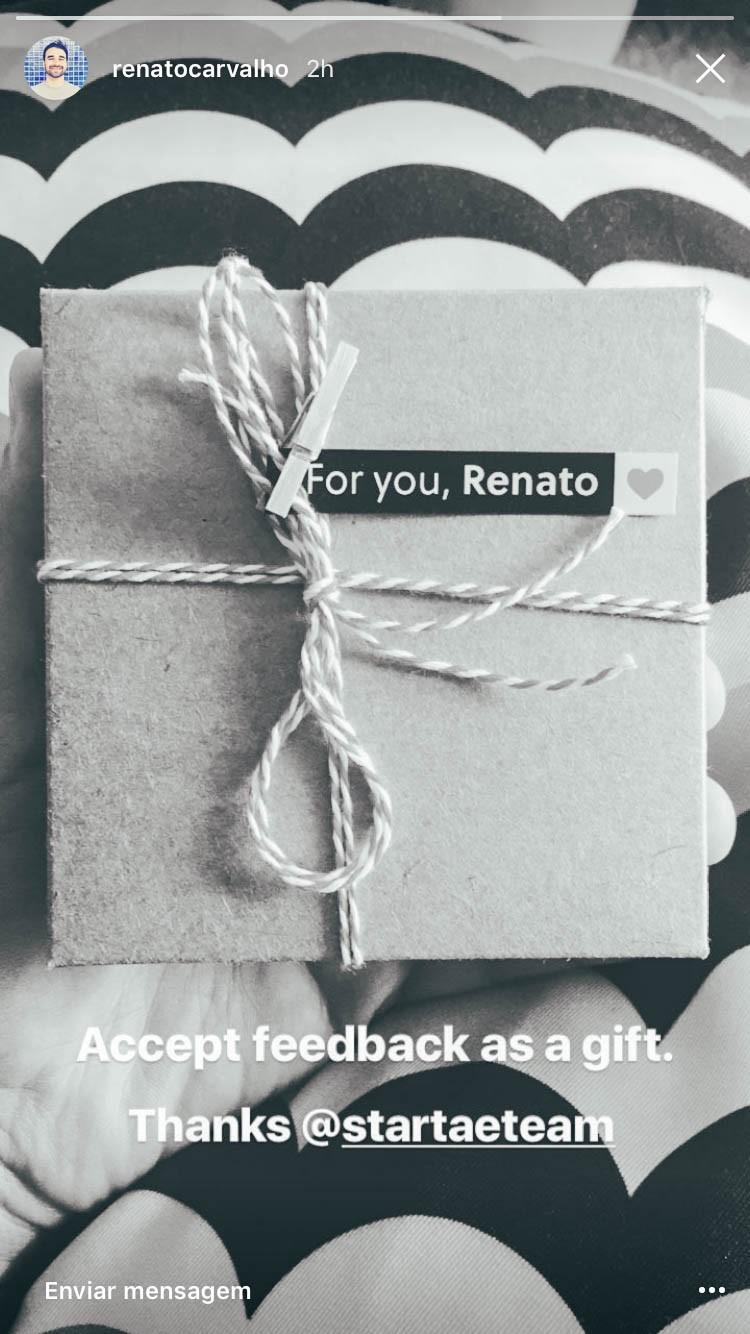 """Galera do time compartilhando o """"presente"""". Accept feedback as a gift."""