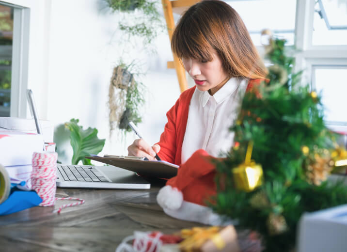 4 easy tips for managing cash flow during the holidays