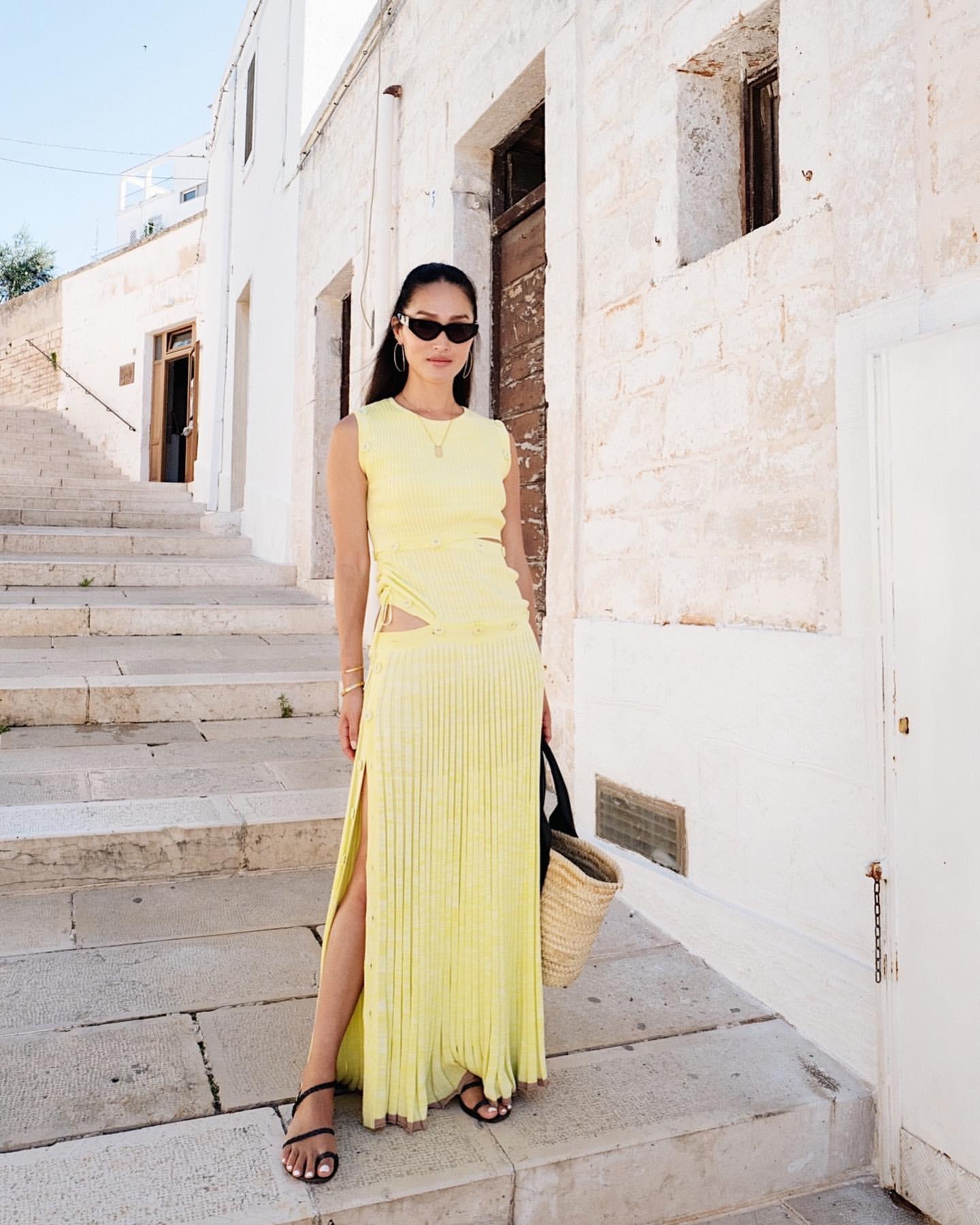 Warne Shadbolt merges in yellow dress