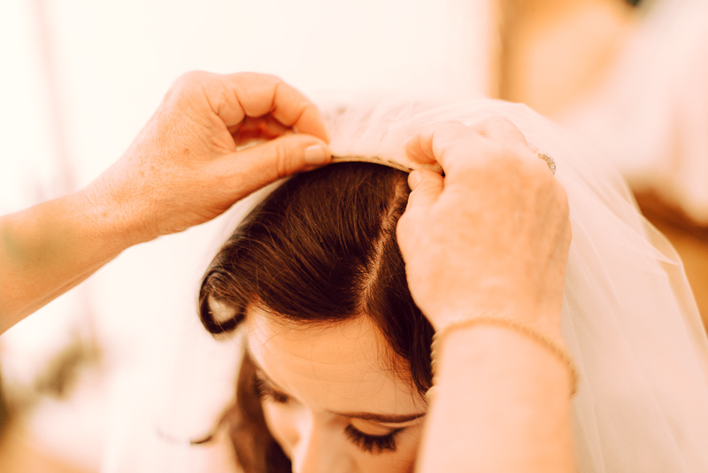 bridal-prep-the-millhouse-mum-bride