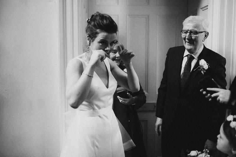 bridel-prep-castle-leslie-wedding-father-bride