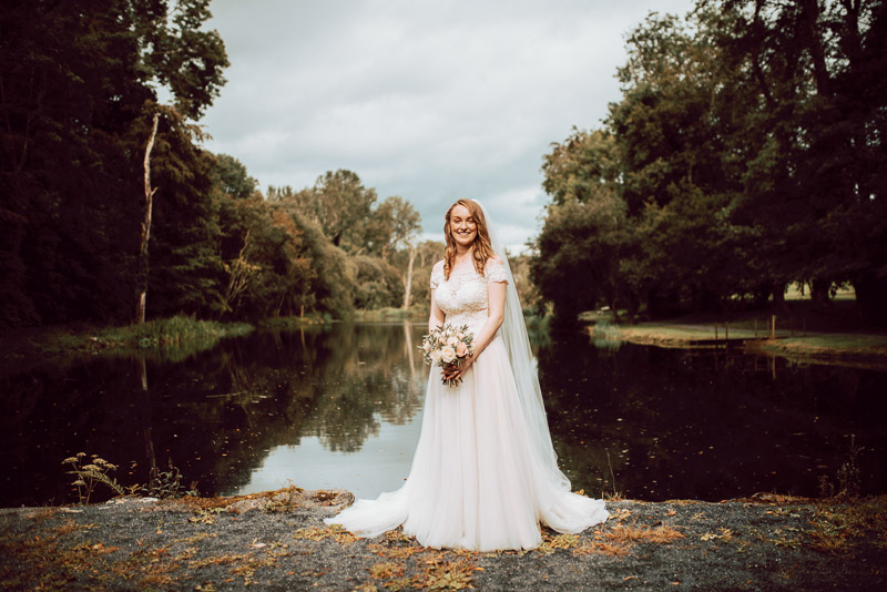 fairytale-bride-beautiful-portraits-lake-setting-ireland
