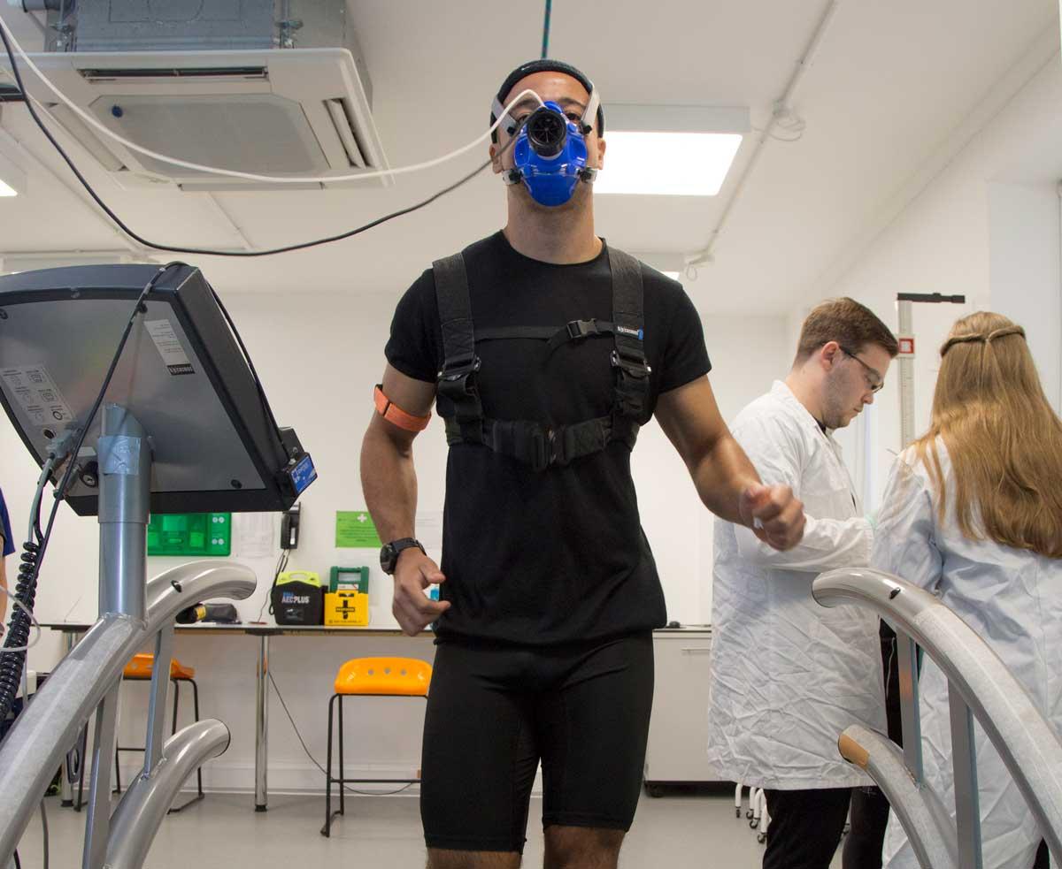 man on treadmill with oxygen mask on