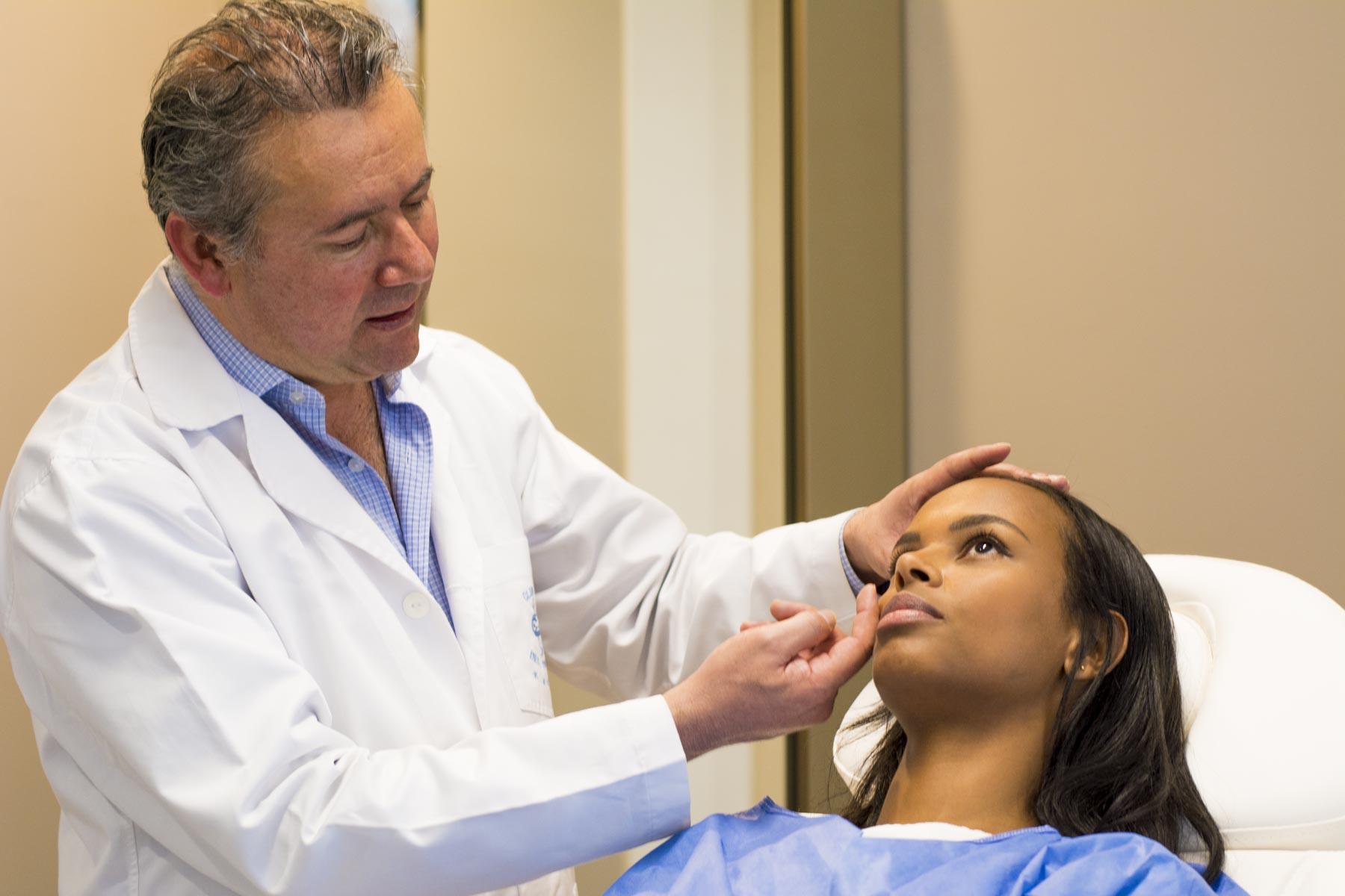 Cirugía plástica Dr. Posada cirujano plástico Bogotá-Medellín