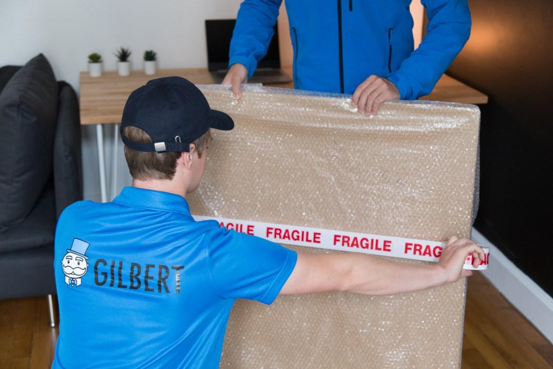 Gilbert, une jeune startup spécialisée dans le stockage de vos cartons, que vous vivez seul en coloc