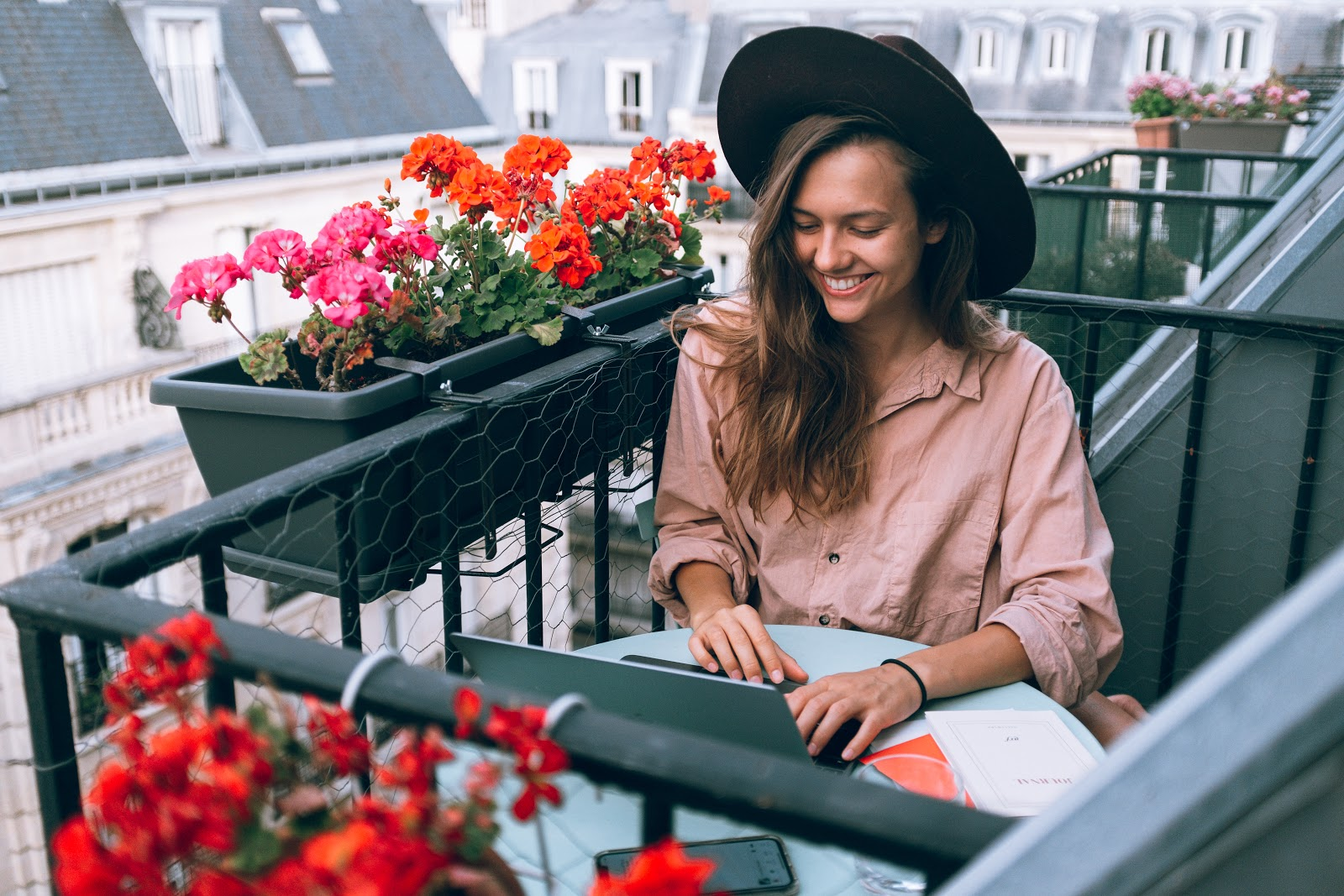 étudiante logement paris