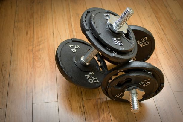 How to Lift Weights to build muscles