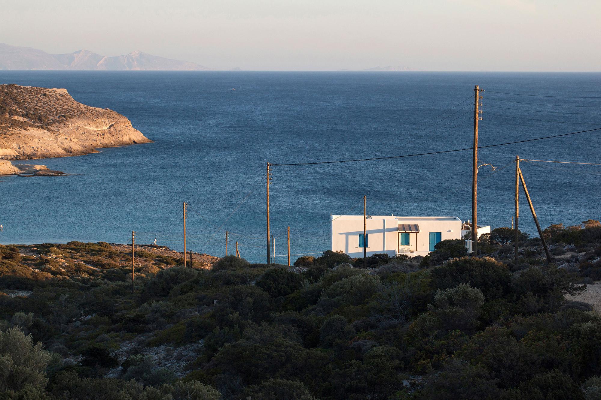 vue Méditerranée soleil couchant seul au monde Grèce
