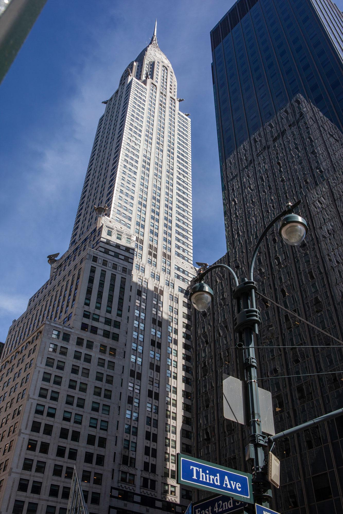 Lever les yeux Chrysler Building New York architecture années 30