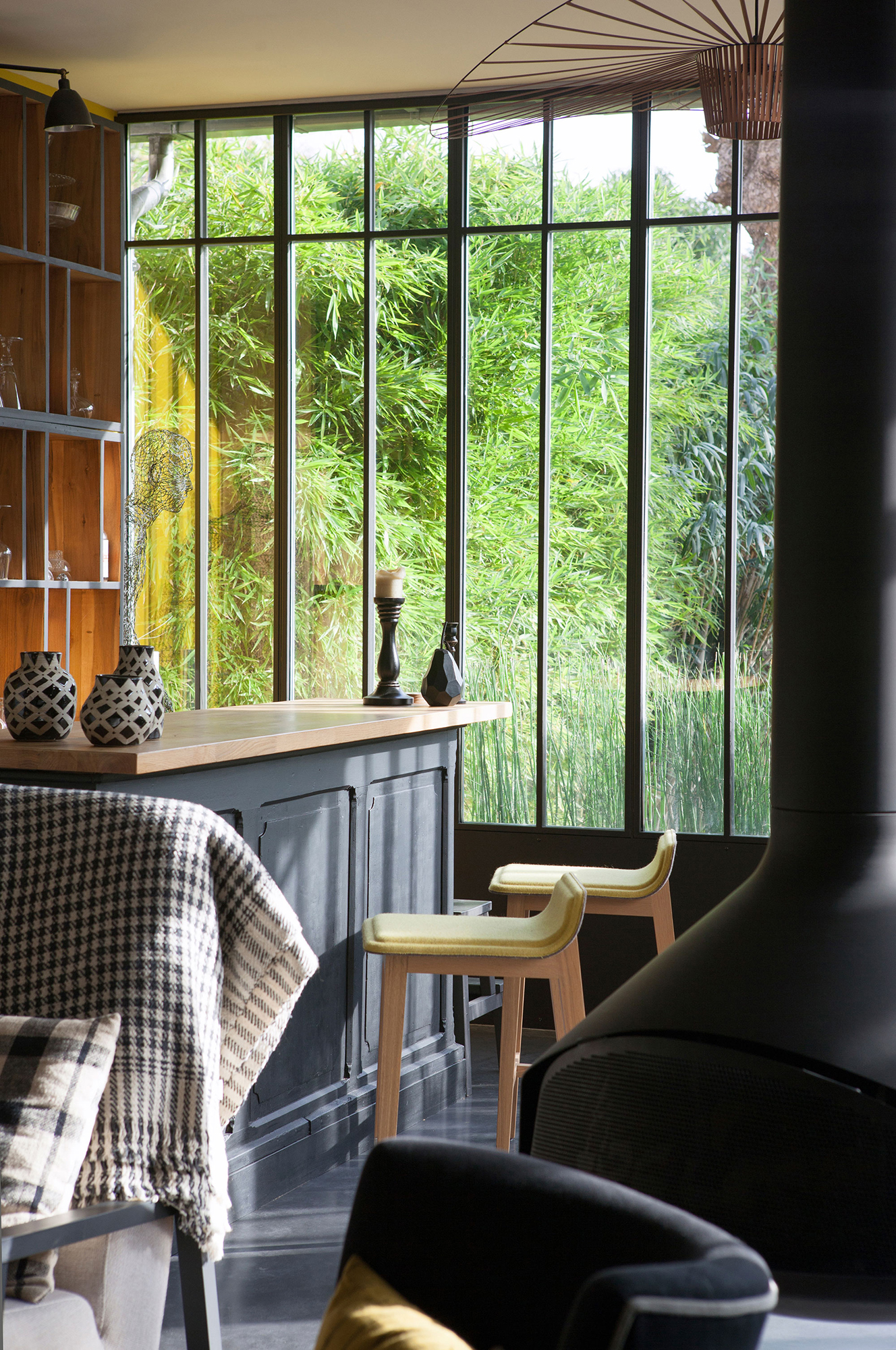 intérieur verrière lumière sur jardin décoration