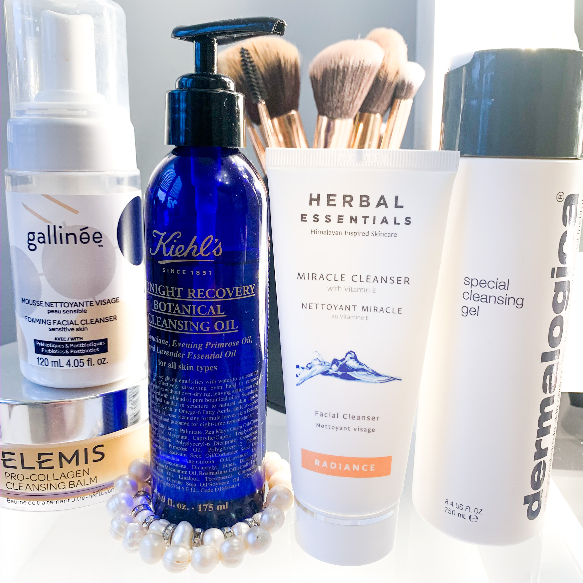 I like to have a few products on the go at once, come and learn about some of the cleansers I currently have on rotation.