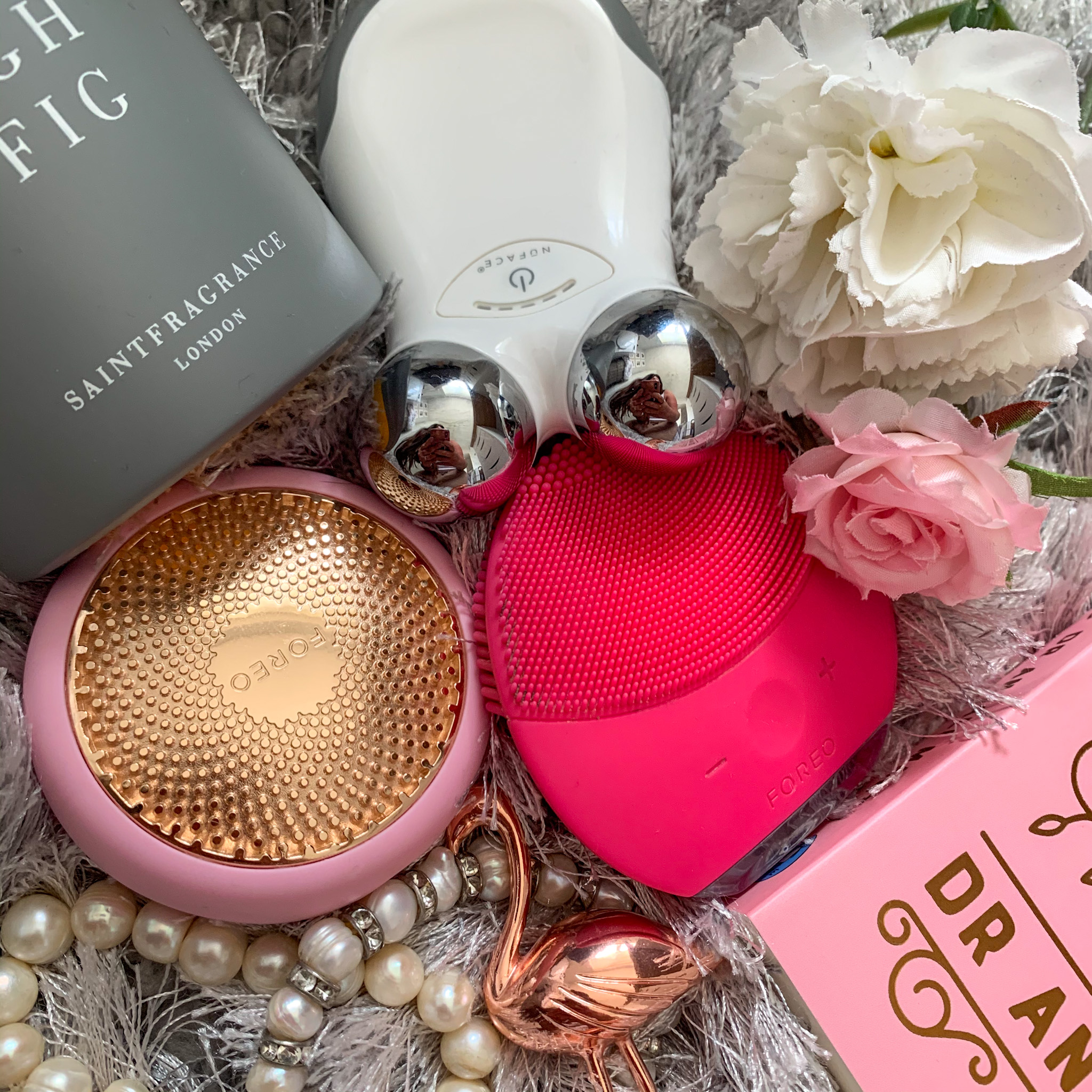 Lock down has given us some time to rediscover our beauty and skin care devices or invest in a new ones. Take a peek at this blog for reviews and inspiration.