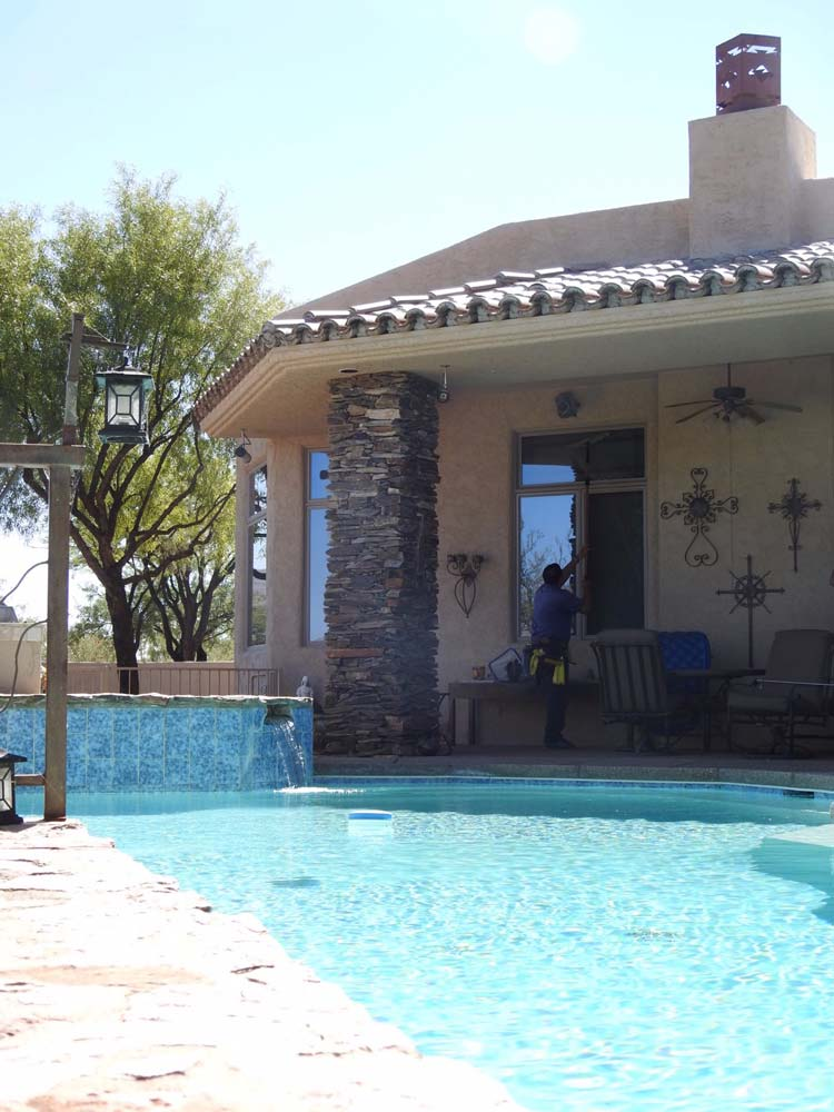 Residential window cleaning project in Tucson, AZ