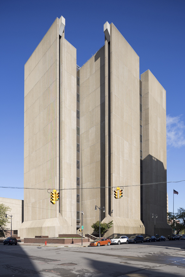 Buffalo City Court Building designed by Pfohl, Roberts, and Biggie, 1974