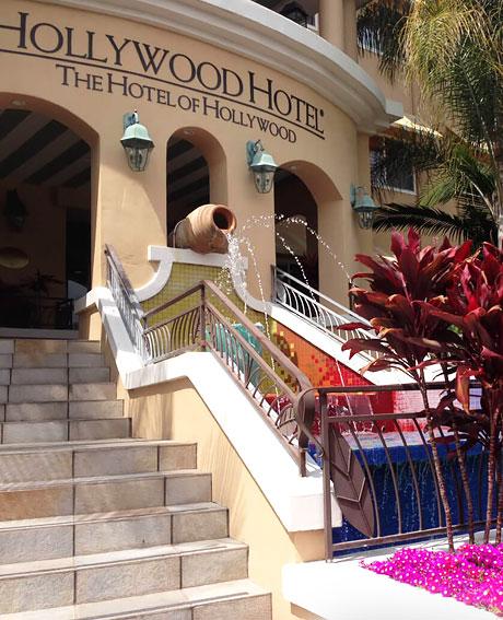 hollywood hotel entrance