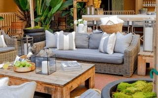 Hollywood Hotel lounge area