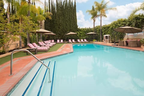 Hollywood Hotel Swimming Pool with ADA Chair Lift