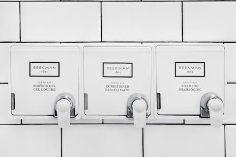 Hollywood Hotel Beekman 1903 Dispenser Bath Amenities