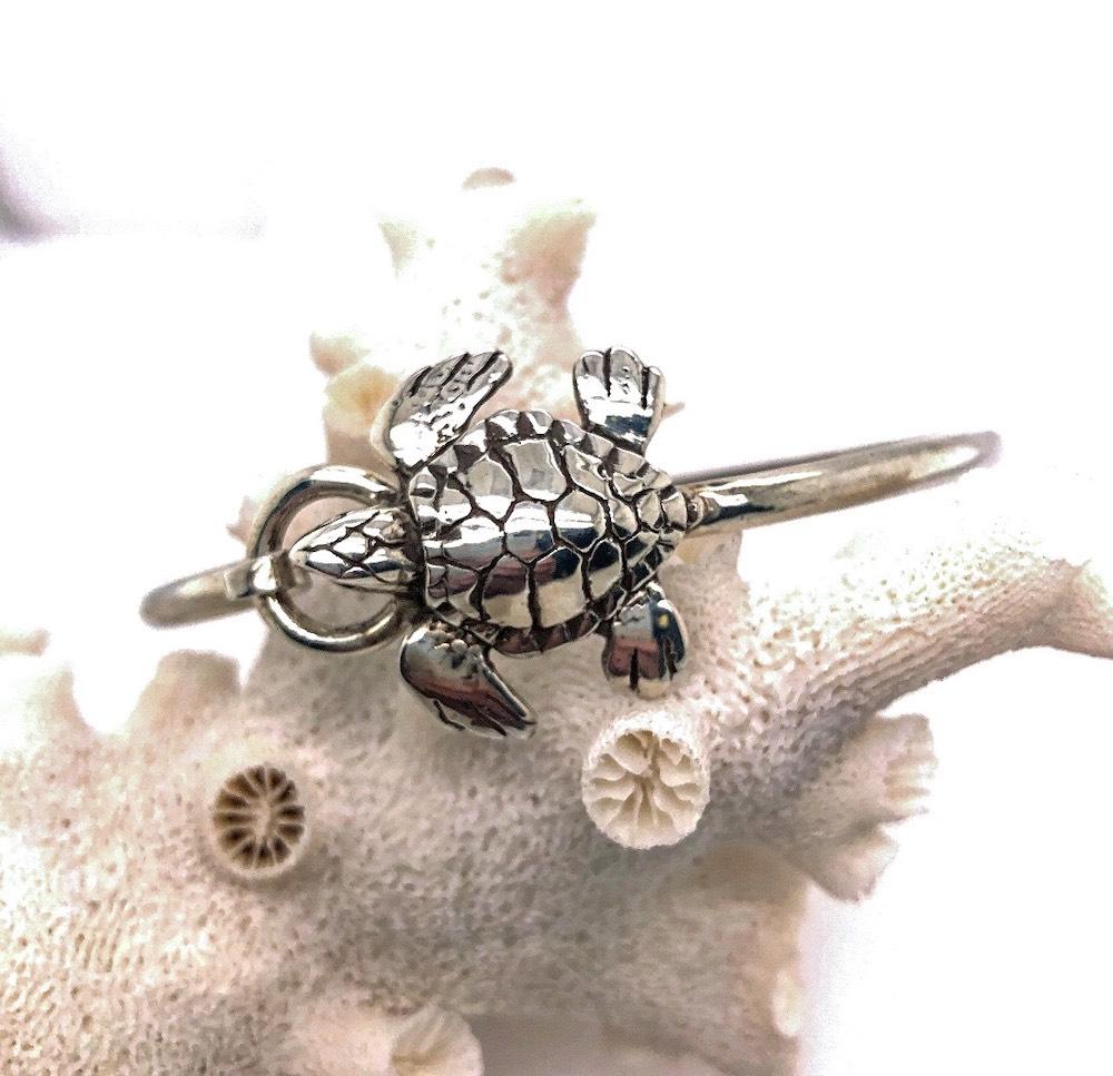 Medium Turtle Hook Bracelet