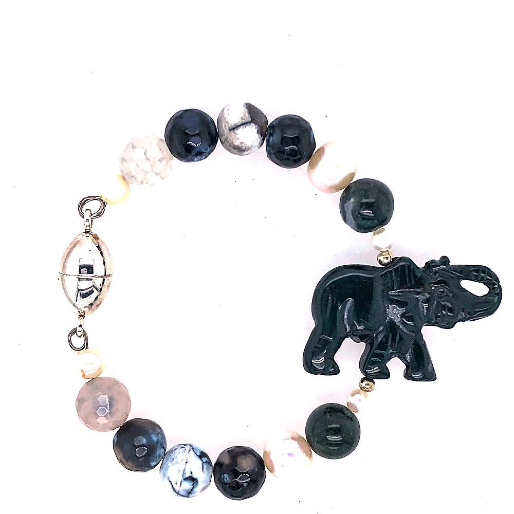 Onyx & Pearl Magnetic Bracelet
