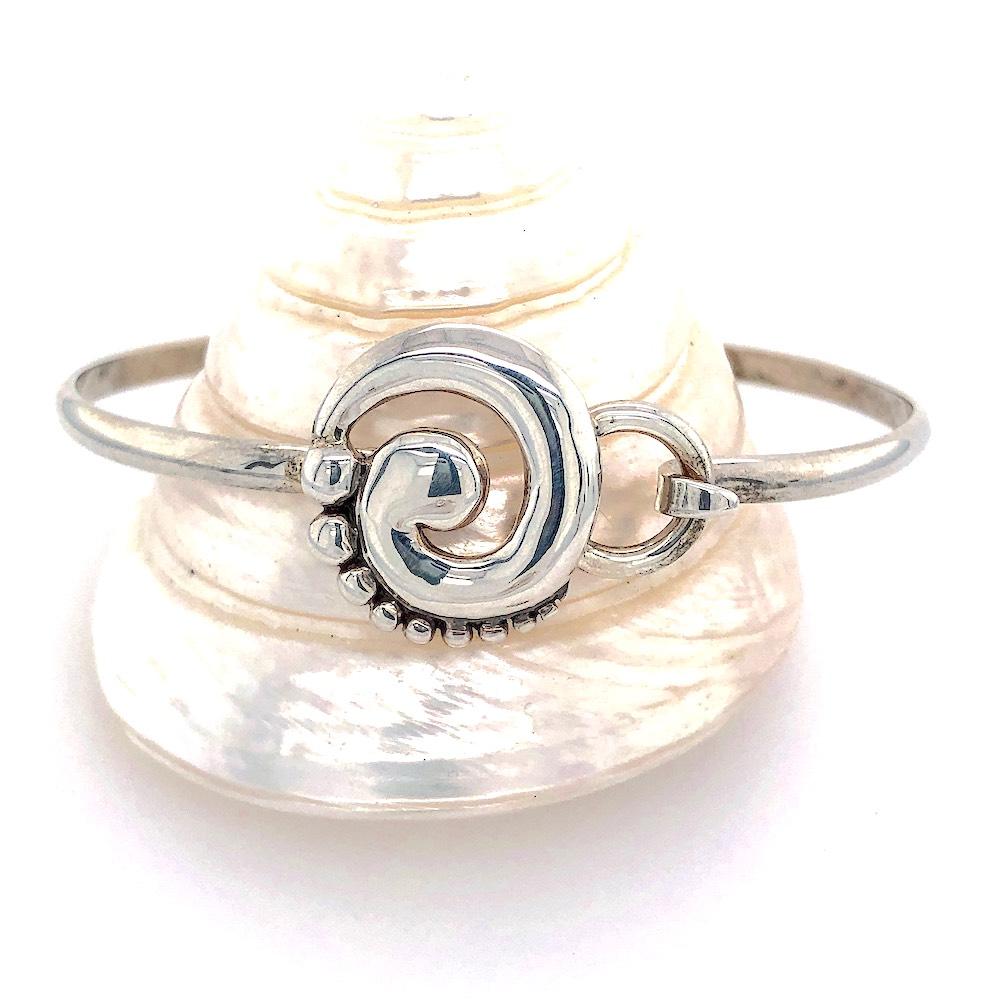Medium Wave Hook Bracelet