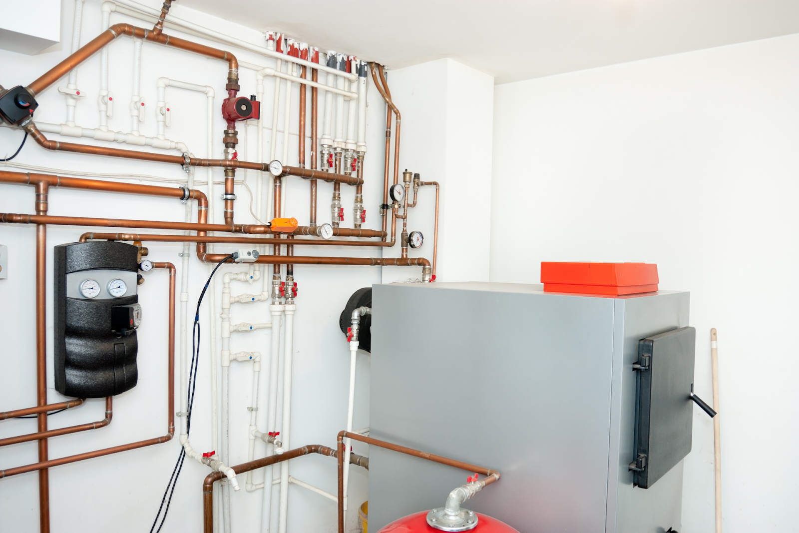 Top 5 Benefits of Investing in Monthly HVAC System Maintenance Checks