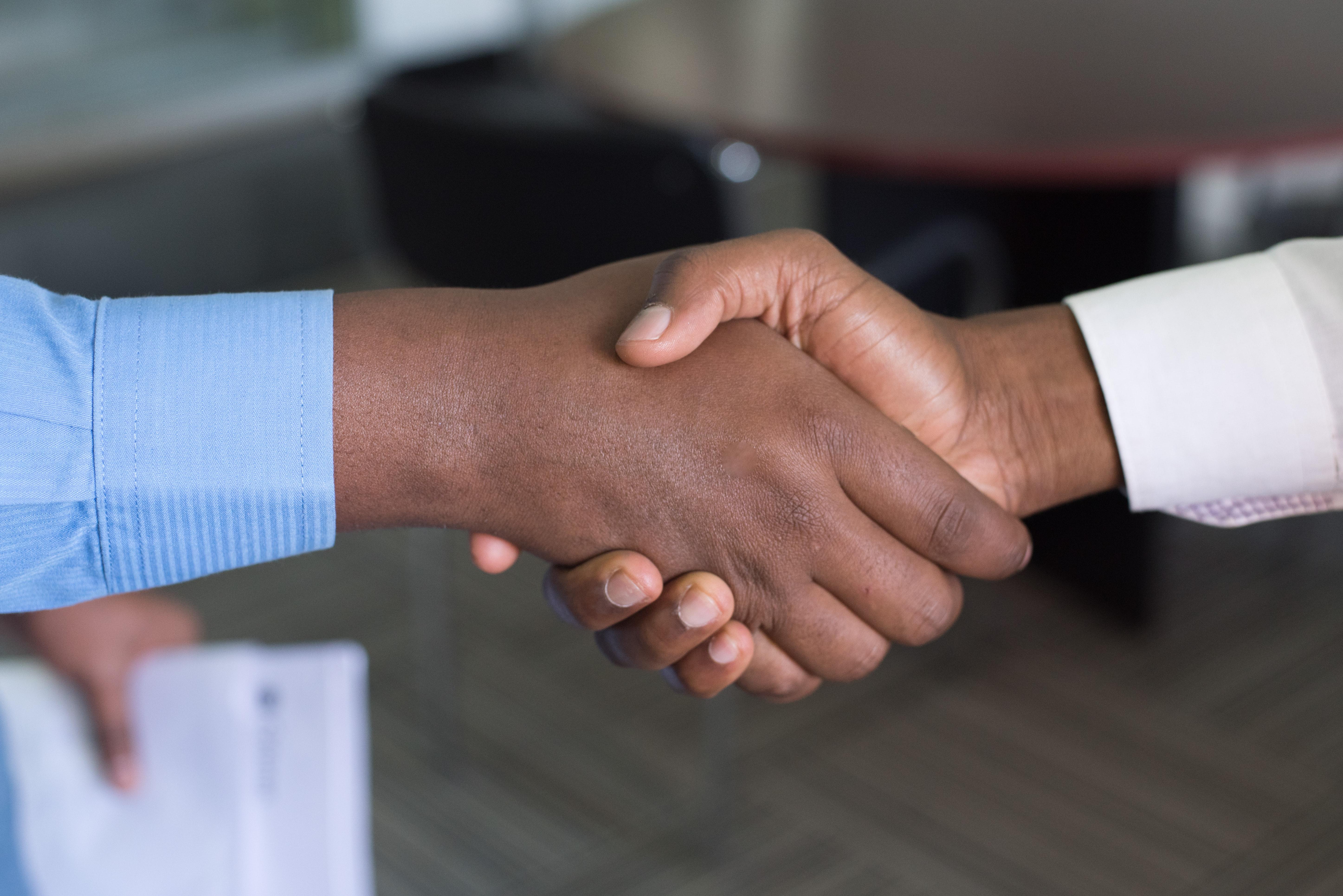 Mempererat Hubungan dengan Pelanggan