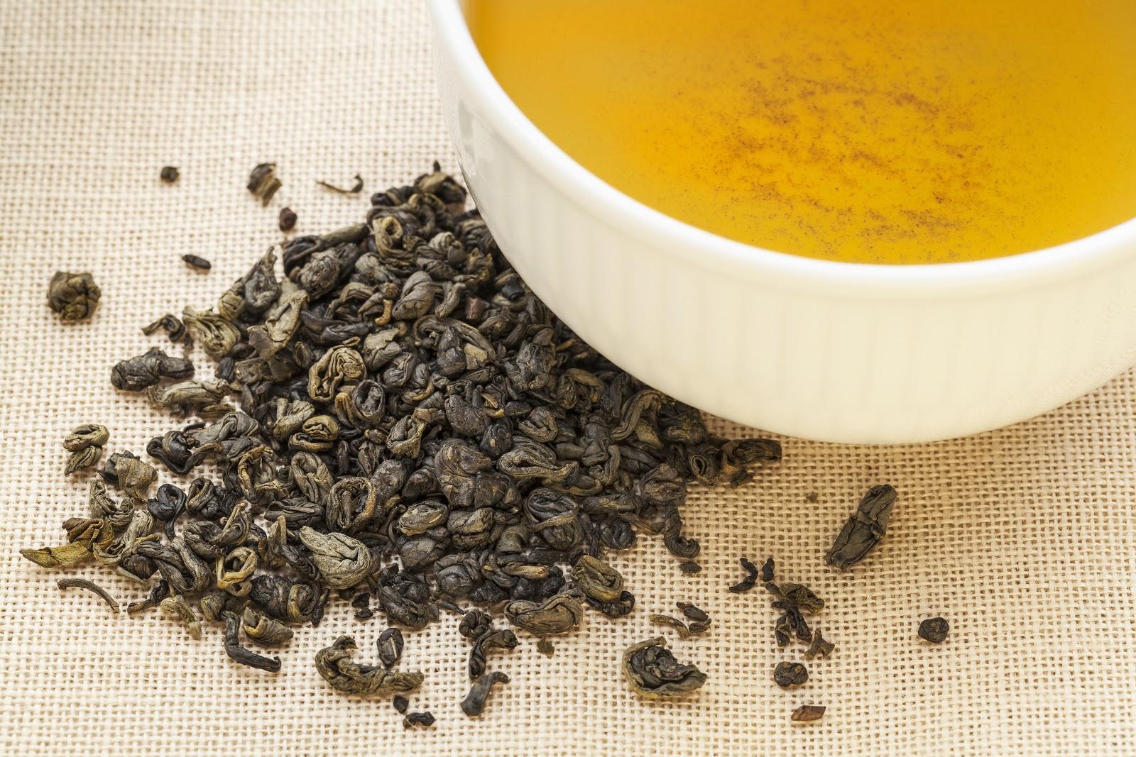 gunpowder tea: leaves and cup