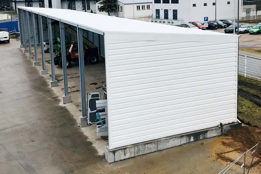 A Semi-Permanent Vehicle Bay Building by BigBox Buildings
