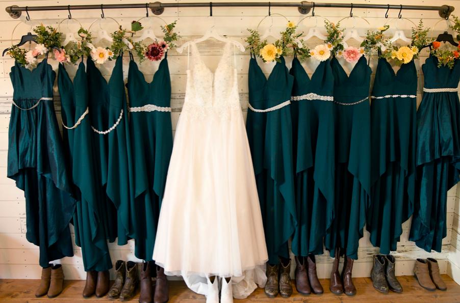 Leslie Wedding Dresses