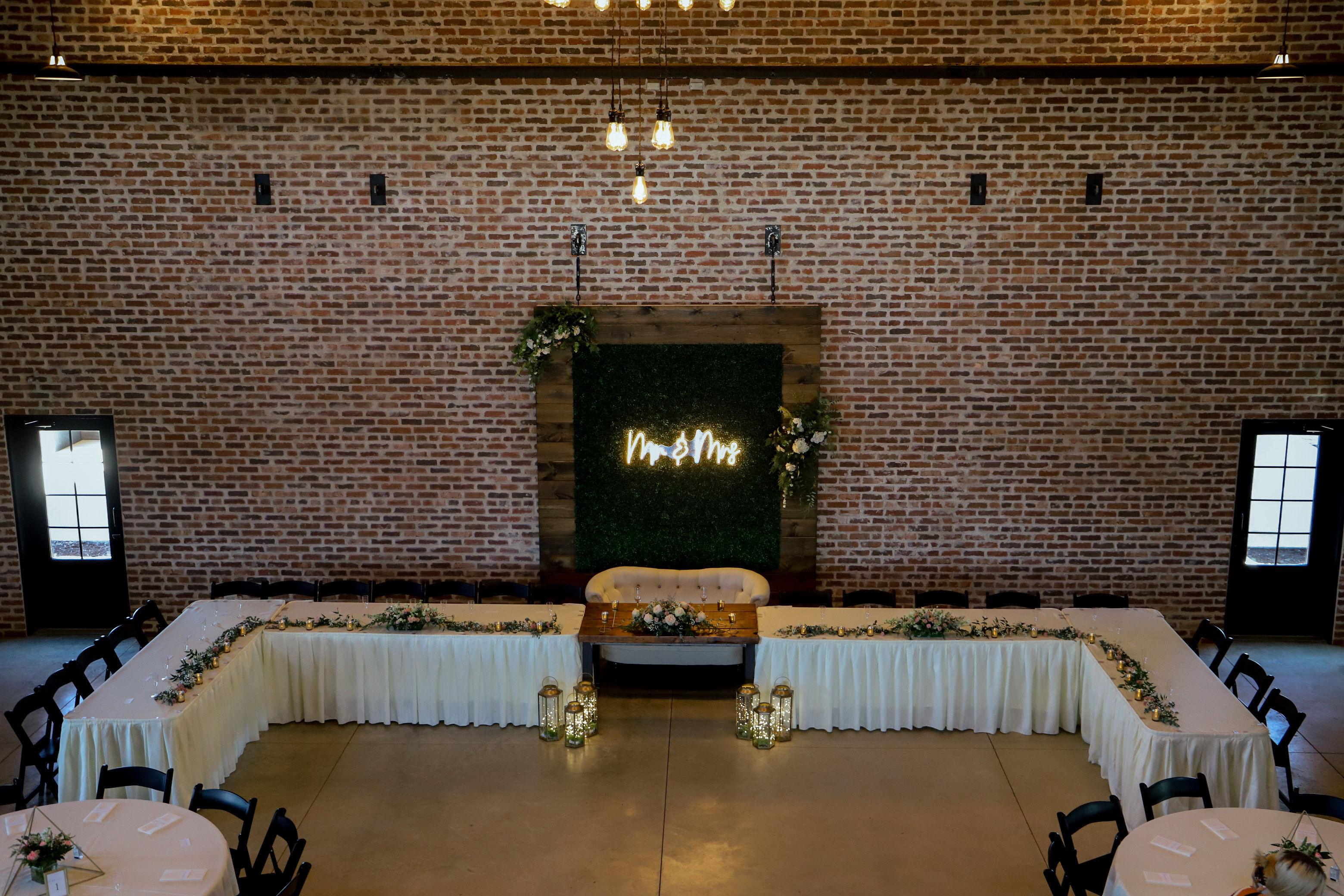 Ritter Head Table