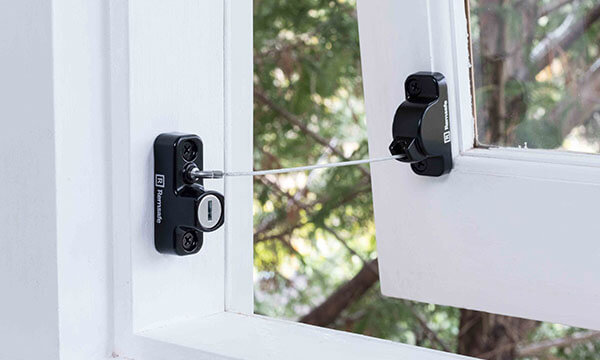Remsafe Window Locks - Retractable Metrolite