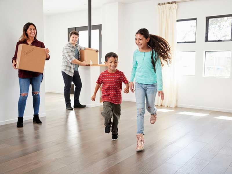 family moves into Vista Pointe home