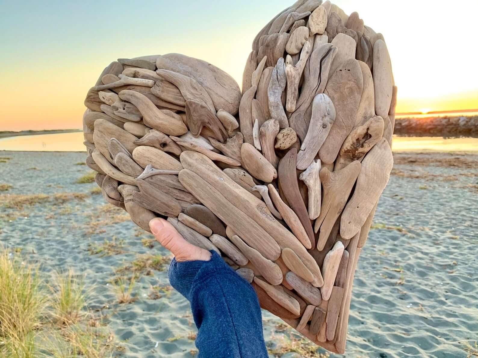RedwoodCoastalDesigndriftwood heart