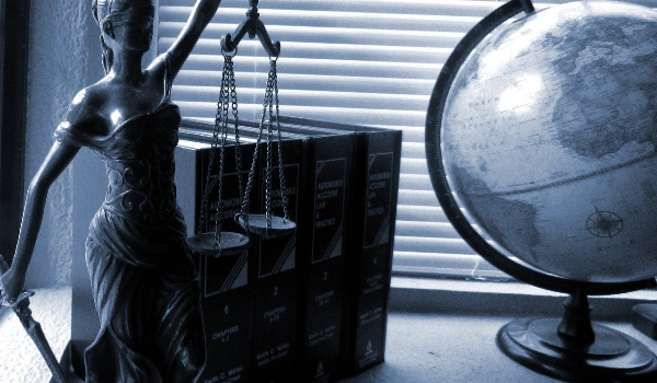 5 Benefits Of Hiring A Felony Lawyer