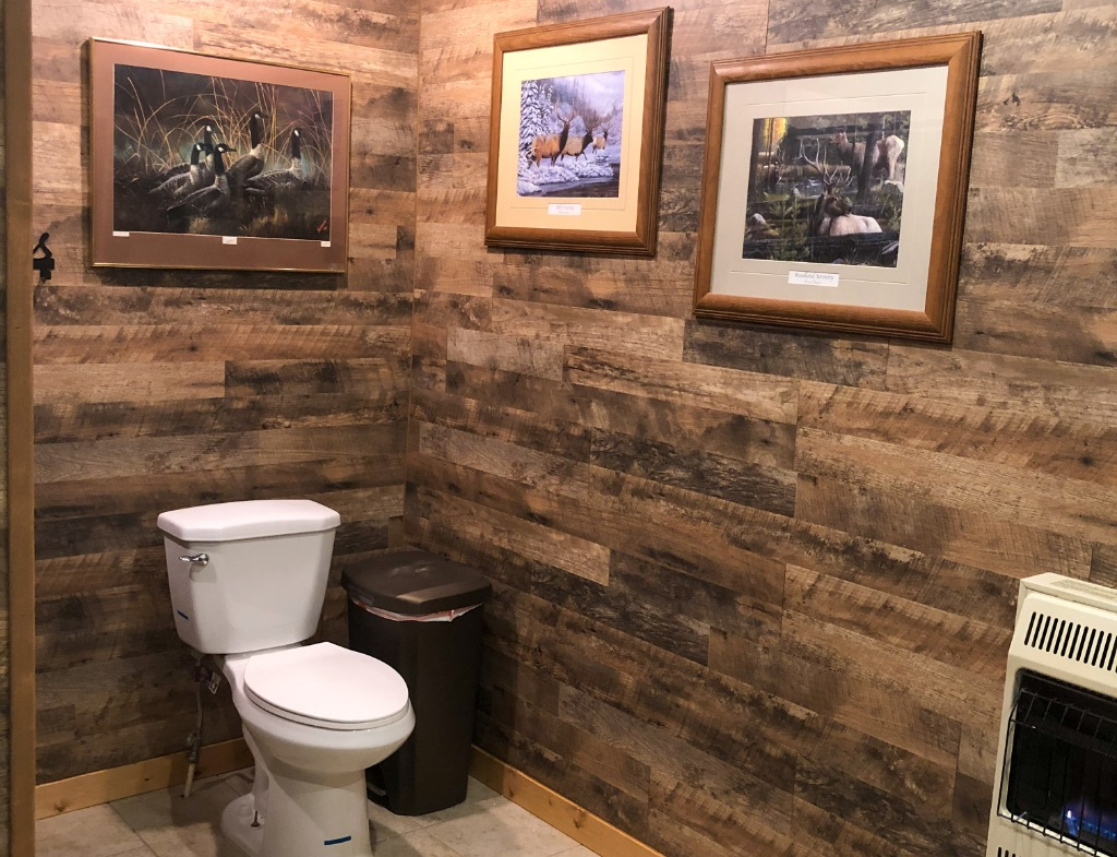 cupped wings lodge bathroom 2