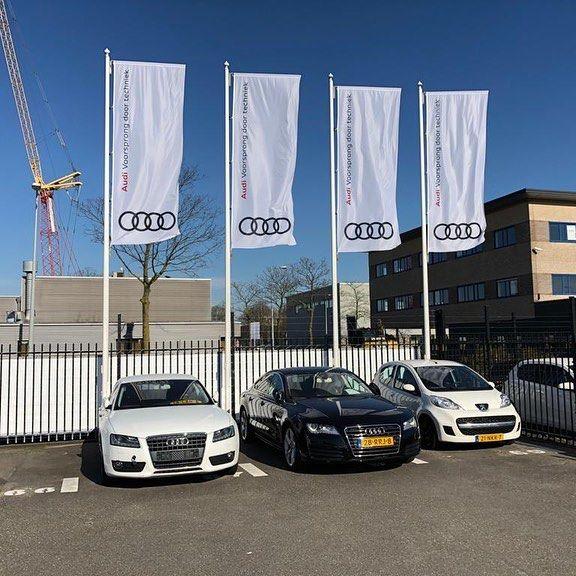 Audi vlaggenmasten bedrukte vlaggen