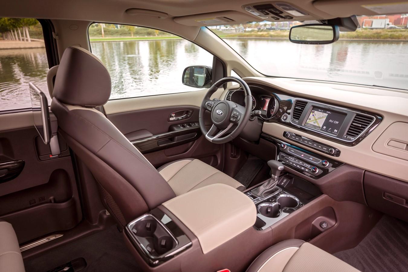 2020 Sedona Interior Driver