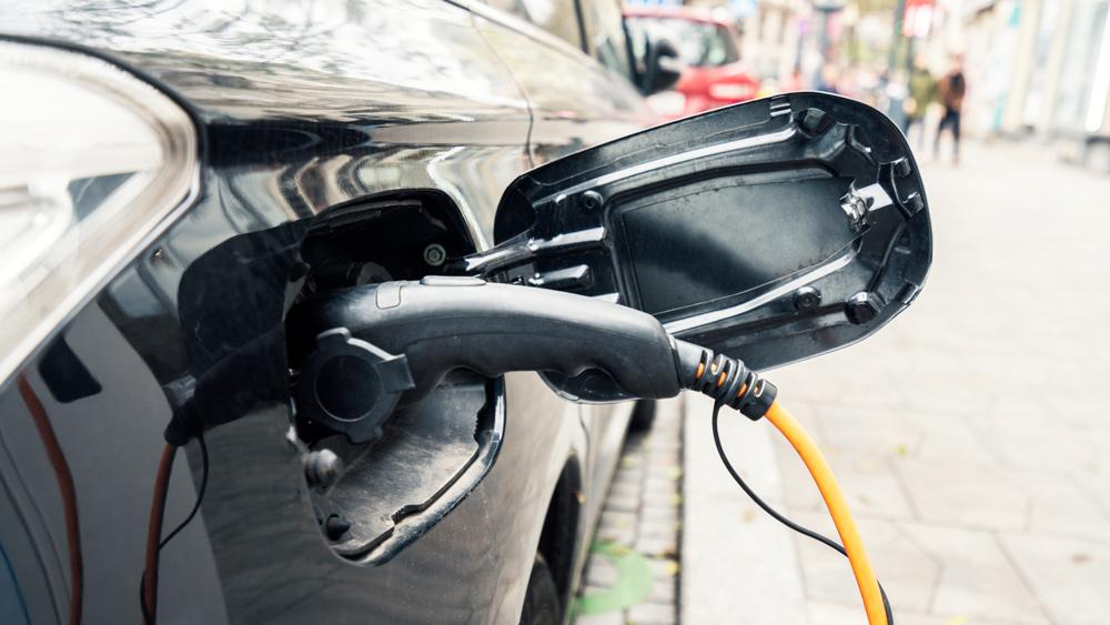 Begutachtung von Elektro- und Hybridfahrzeugen bei der Obstoj & Leykamm KFZ-Sachverständige in Nürnberg