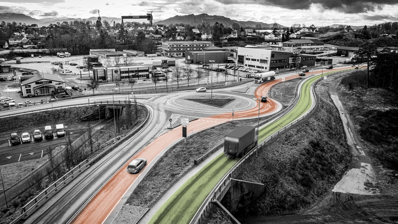 Bilde av trafikk og veier ved rundkjøring, med ulike farger på veiene.