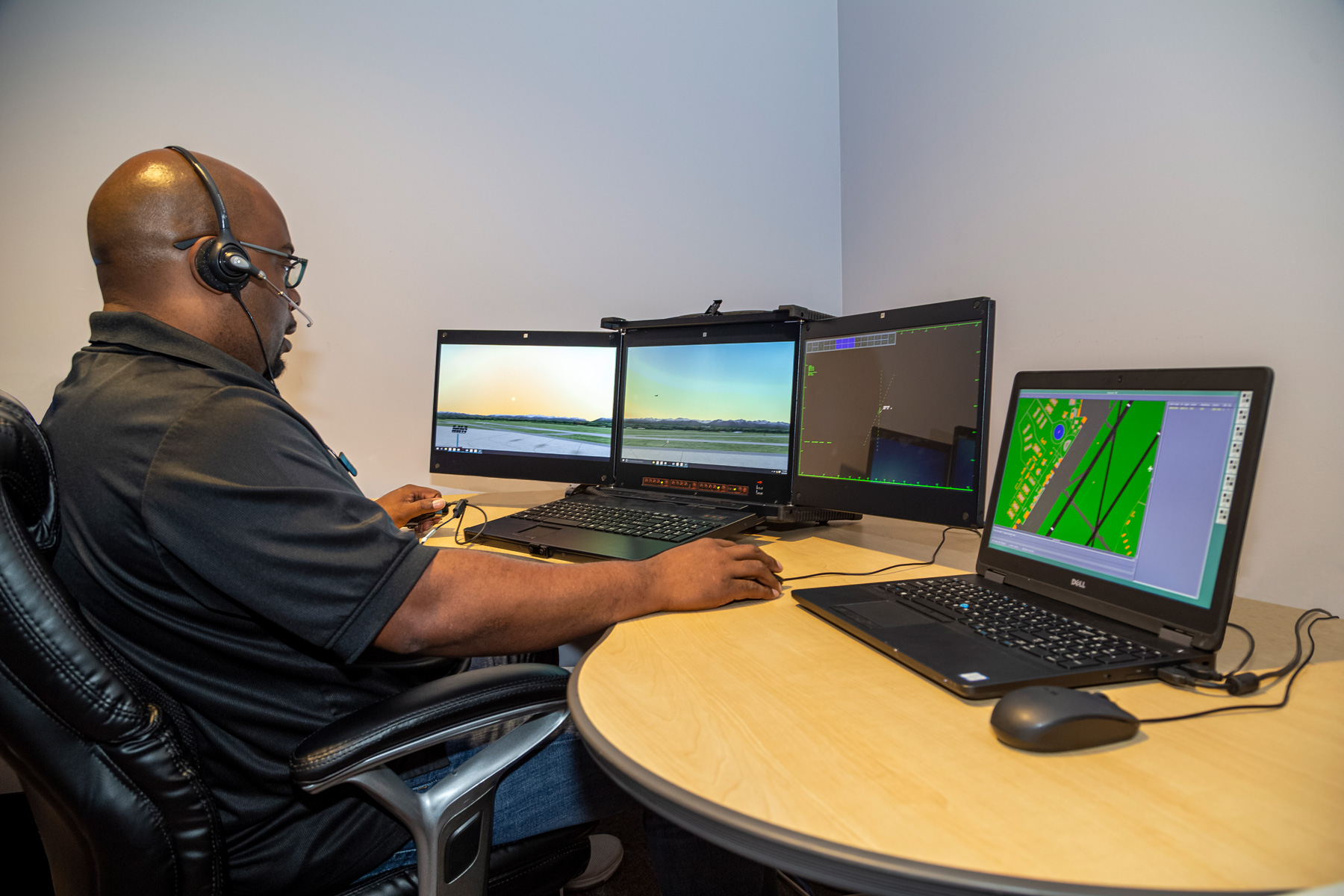 MaxSim ATC used by air traffic controllers