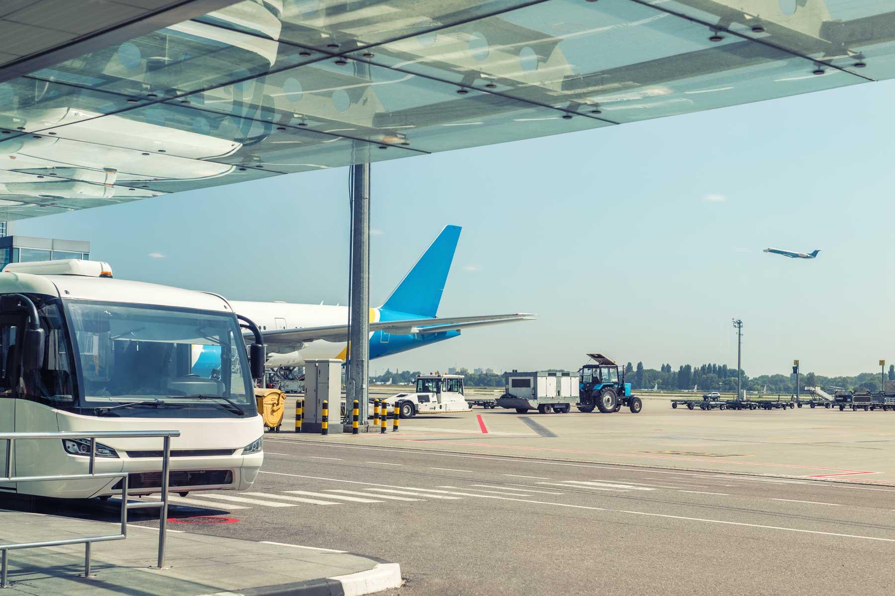Airport Driving Simulator - developing multitasking skills